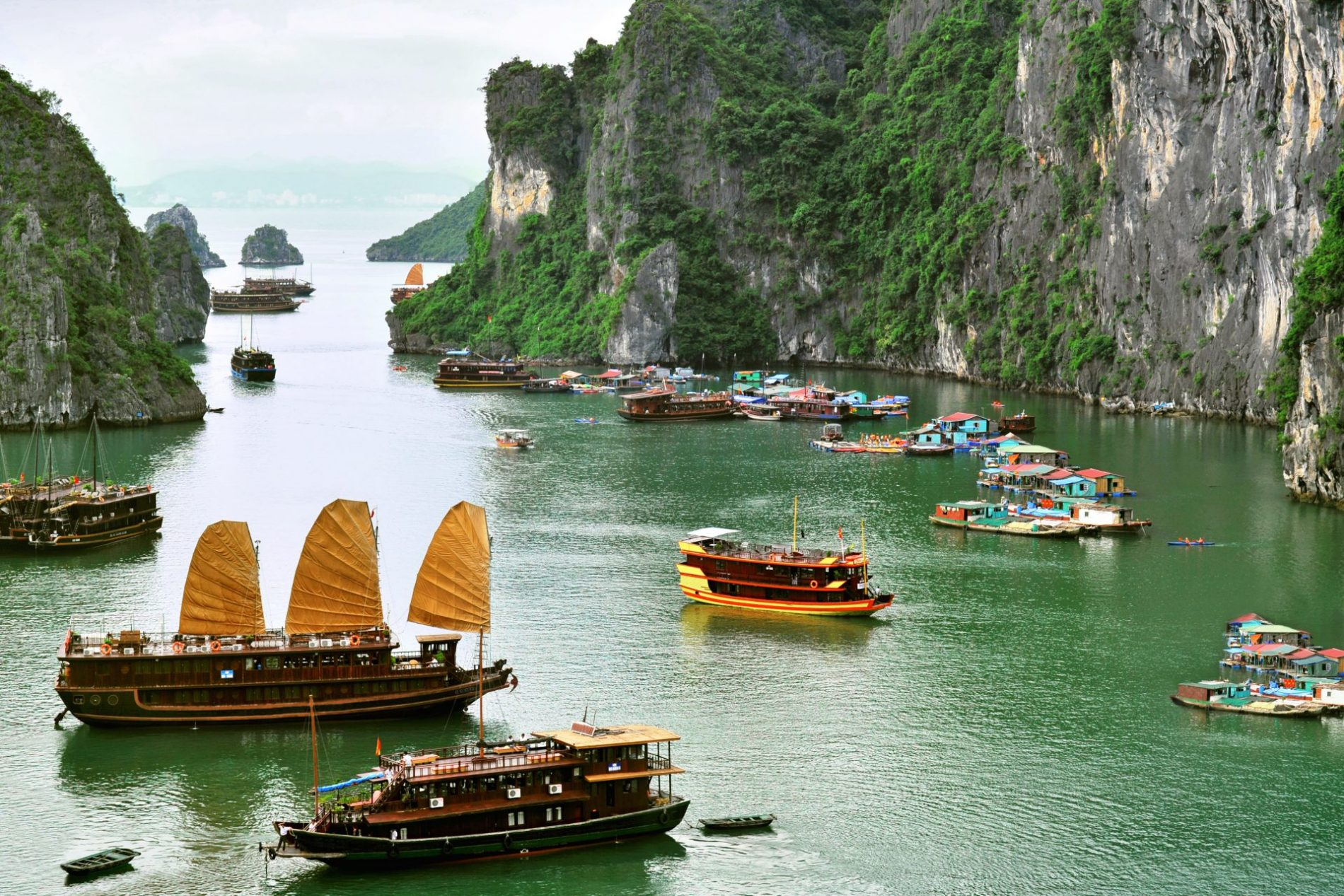 ผลการค้นหารูปภาพสำหรับ ha long  vietnam