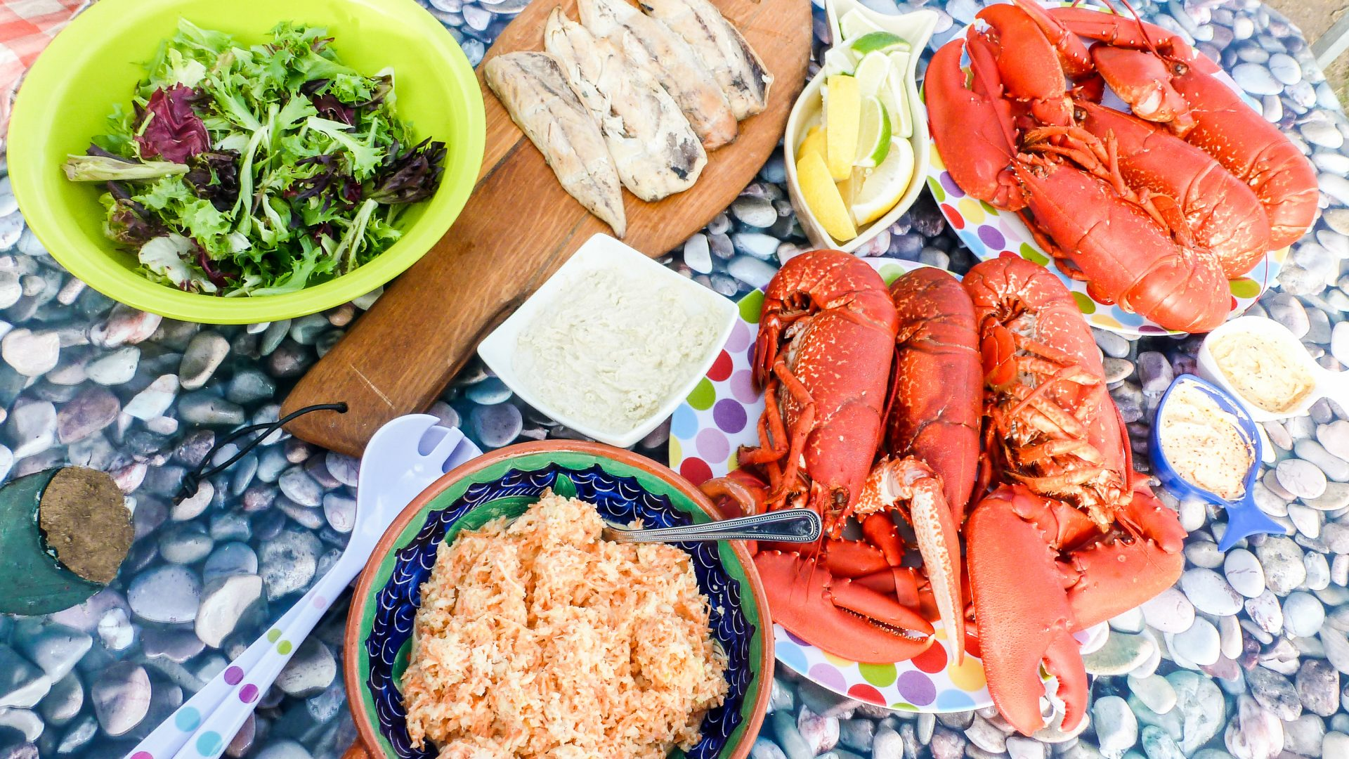 Experiencing nature: Picnic lunch with lobster