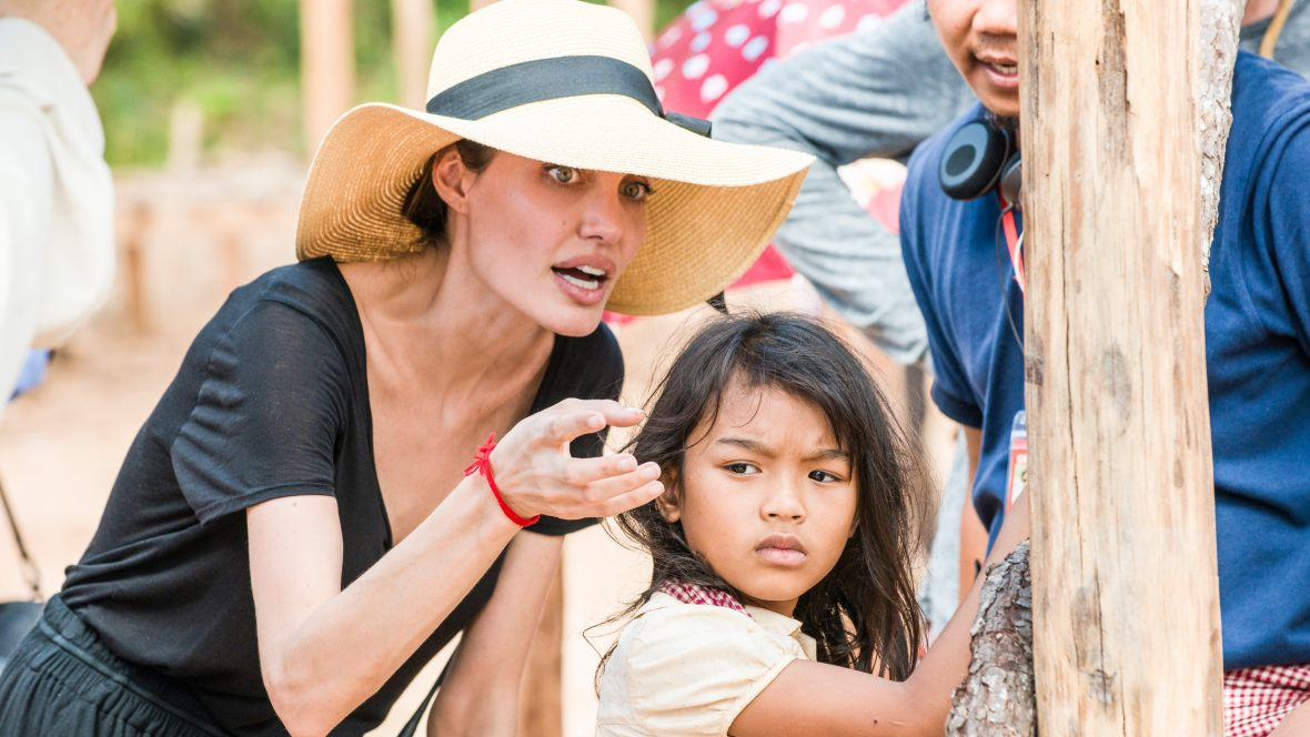 Angelina Joile on the set of the Netflix film 'First they killed my father' in Cambodia