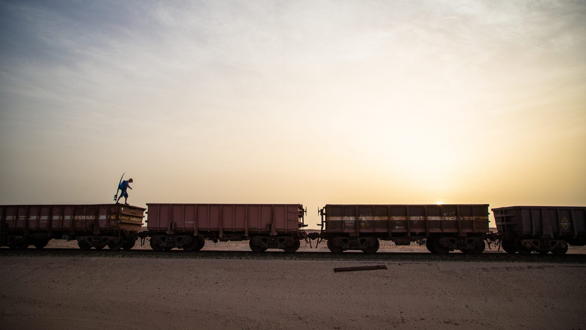 This photographer hops freight trains through the Sahara