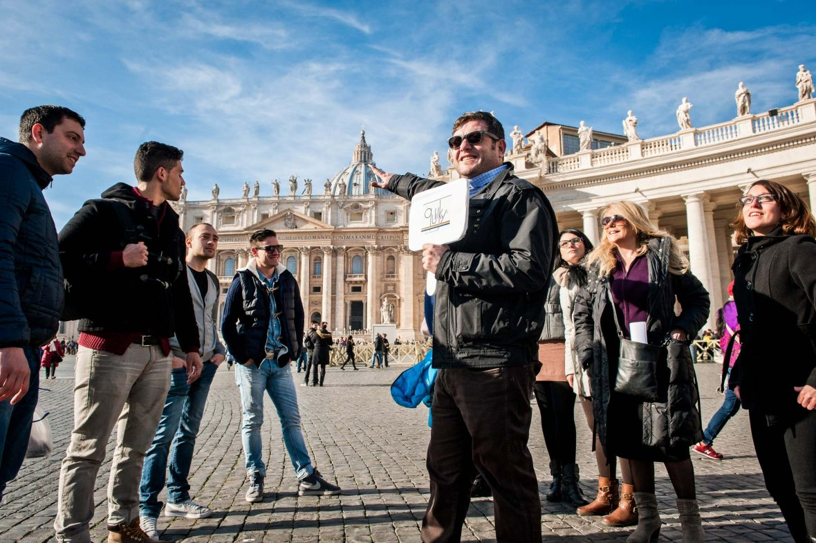 A Quiiky guide gives clients an introduction to the history of gay art at the Vatican.