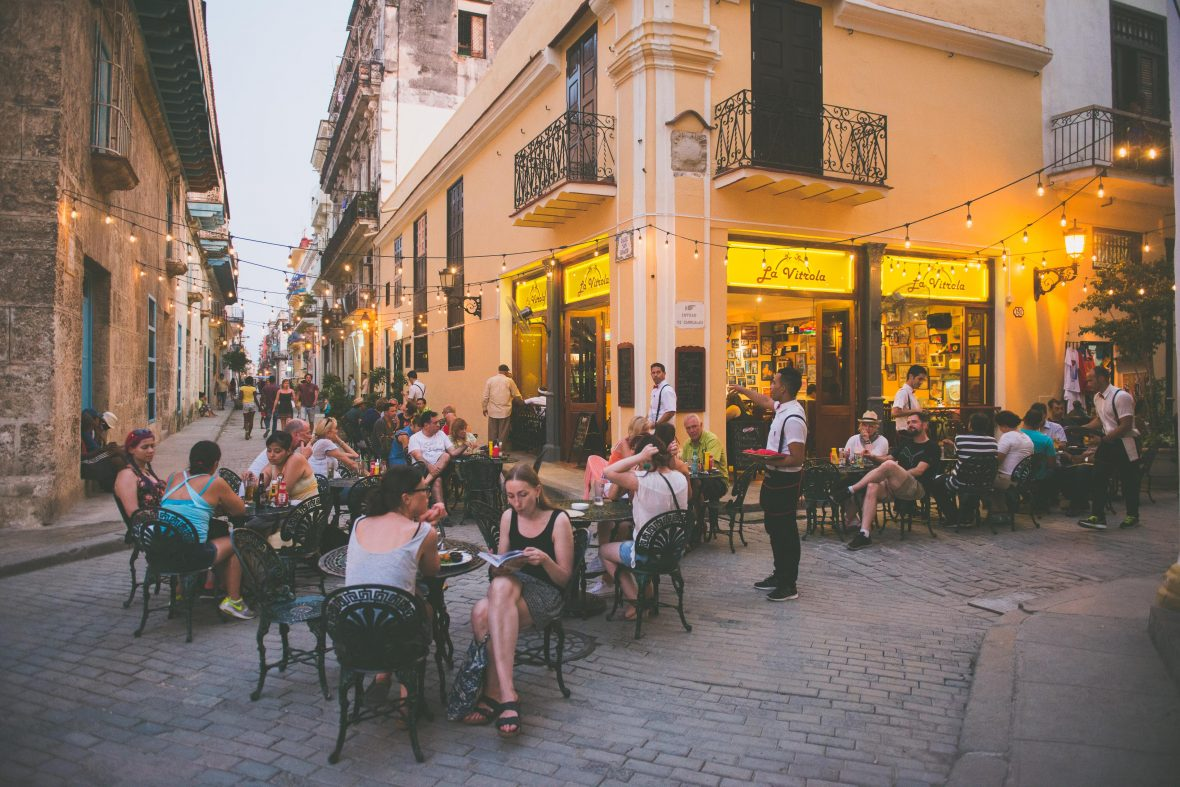 Located in Plaza Vieja (Old Square) in Od Havana, La Vitrola is a 1950's styled restaurant that attracts diners from all over the world.