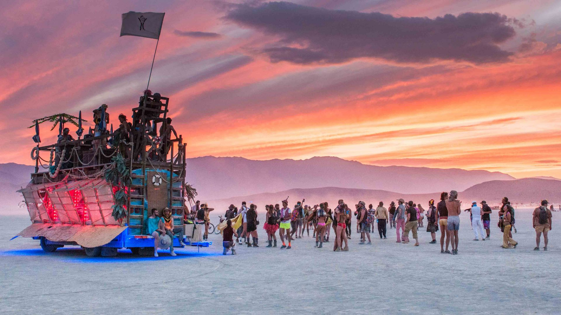 These photos will transport you to the desert utopia of Burning Man