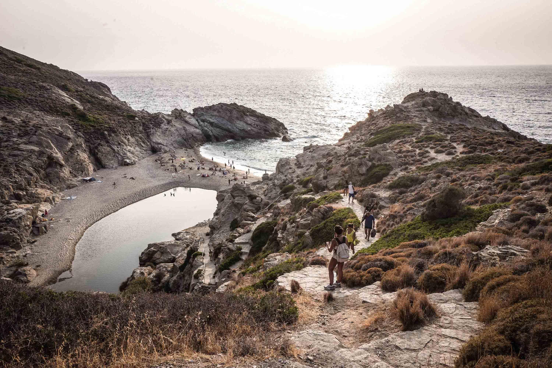 Οι παραλίες, αν και θεαματικές, δεν είναι ο μόνος πόλος έλξης για τους σημερινούς 'χίπις' που έρχονται στην Ικαρία - Φωτογραφία: Nicola Zolin