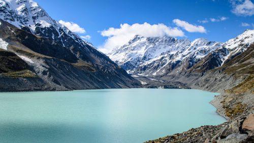 Hooker lake in New Zealand