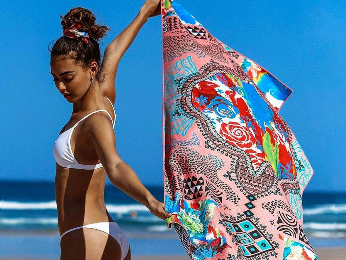 Enjoy the beach minus the sand with Tesalate's sand-resistant beach towel.