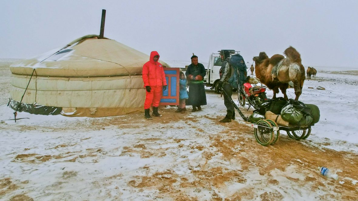 Leon McCarron comes across a 'ger'/hut in the desert of Mongolia.