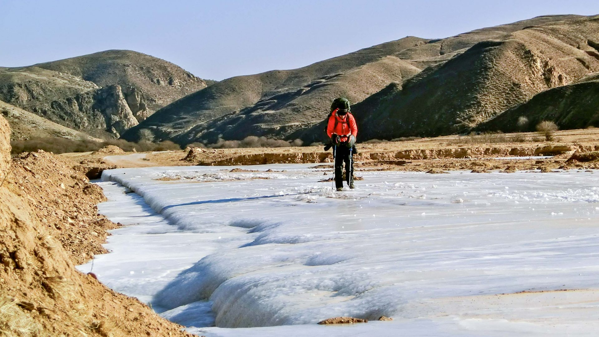 After crossing the Gobi desert, Leon finds himself trekking on ice in northern China.