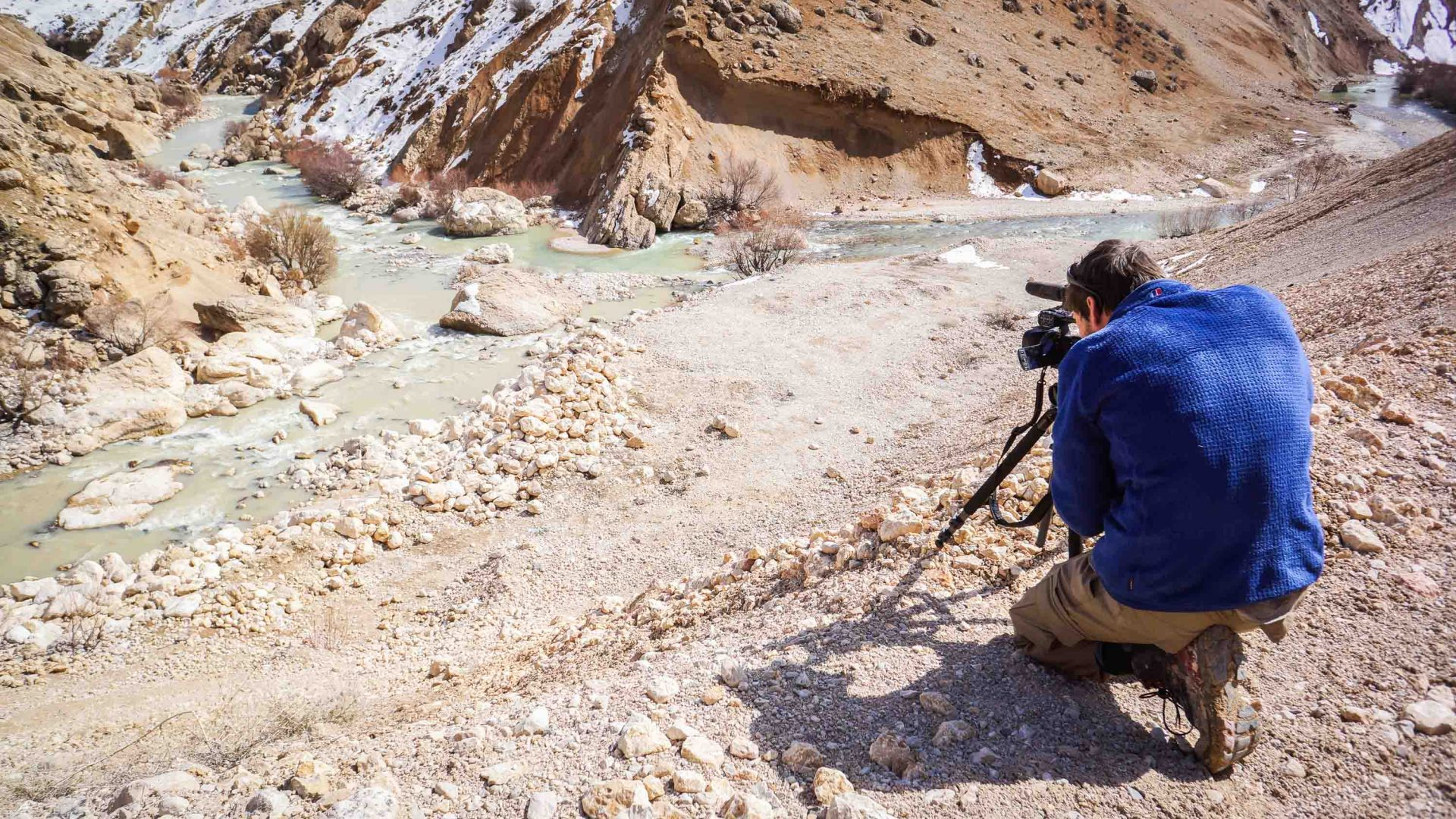 Leon McCarron filming by the confluence of Iran's Karun river where it's wide enough to paddle.