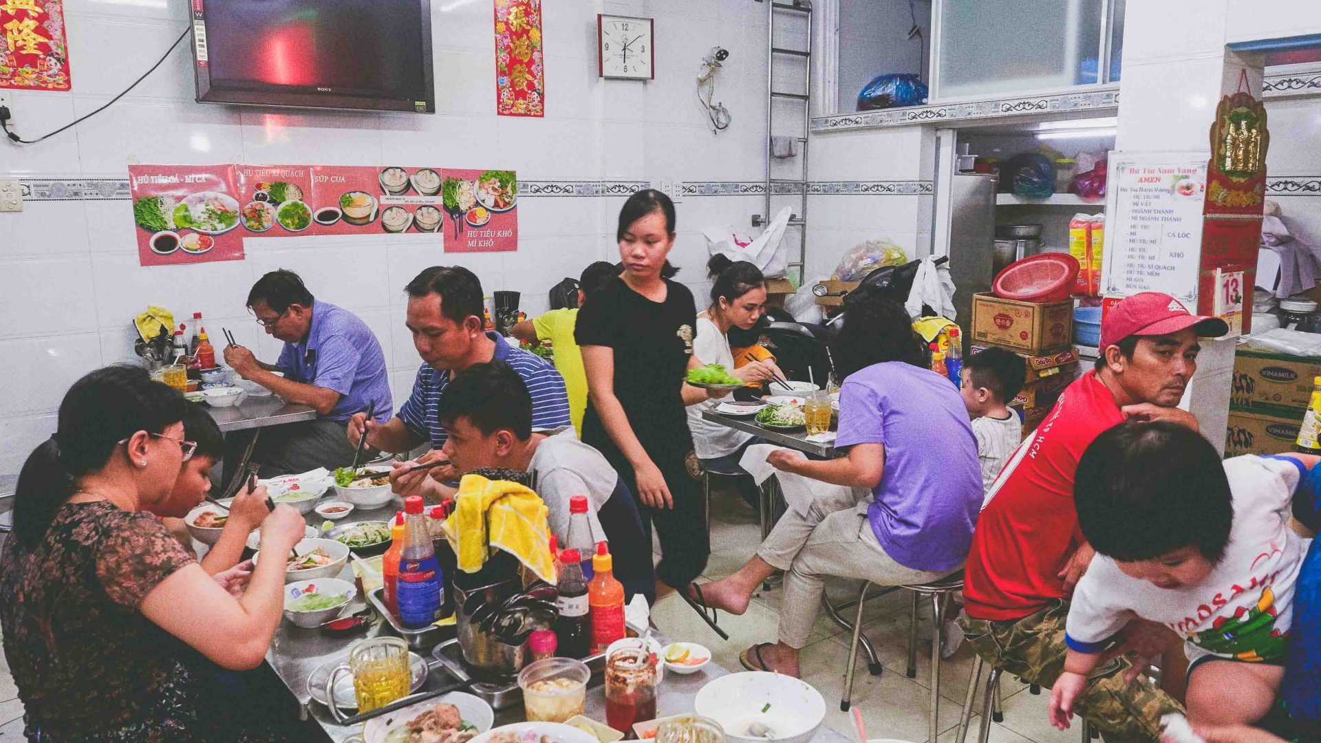 Ho Chi Minh street food: Vo Thi Ngoc Nhung's food cart, Amen is one of Ho Chi Minh City's oldest food stalls.