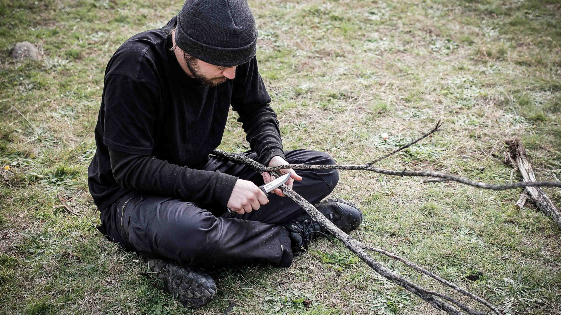 Making a bowline drill in Snowy River National Park, Victoria, Australia.