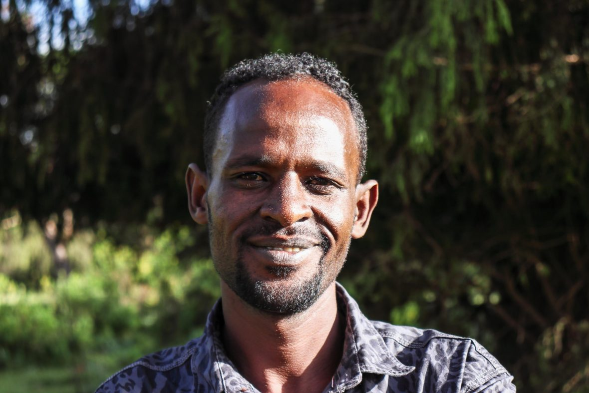 Ayuba Ahmed is an expert in finding Ethiopian wolves; he worked as wolf monitor for the local Ethiopian Wolf Conservation Program.