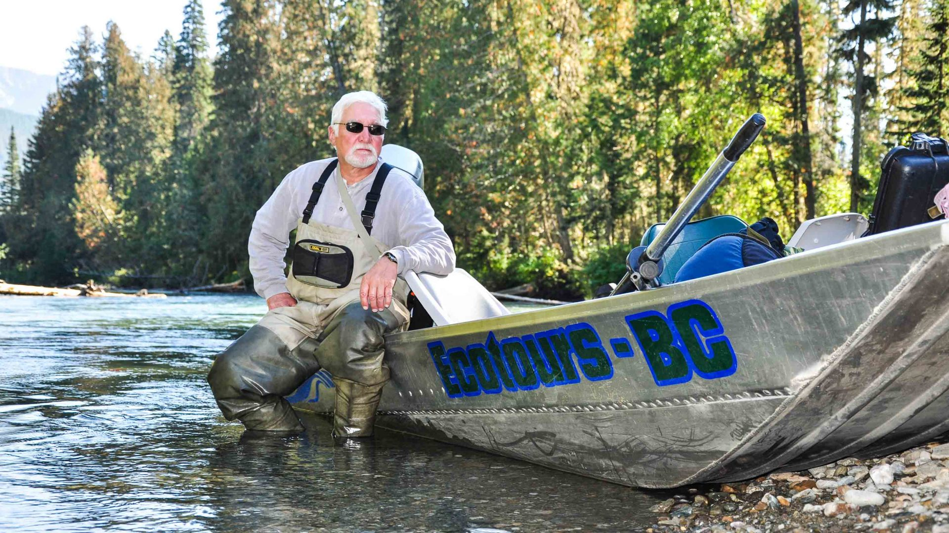 Boating through British Columbia's remote Cariboo mountains in search of grizzly bears.