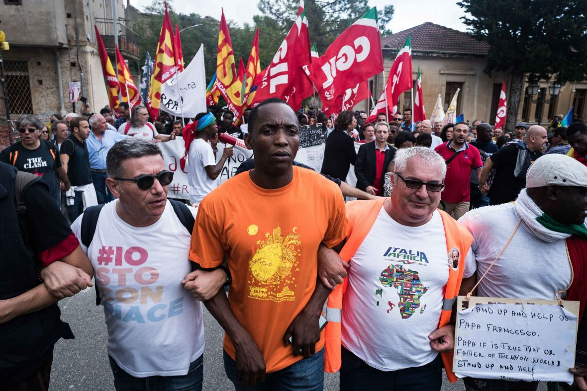 Aboubakar Soumahoro and nearly 6,000 others protest against the arrest of Domenico Lucano on October 6th 2018 in Riace.