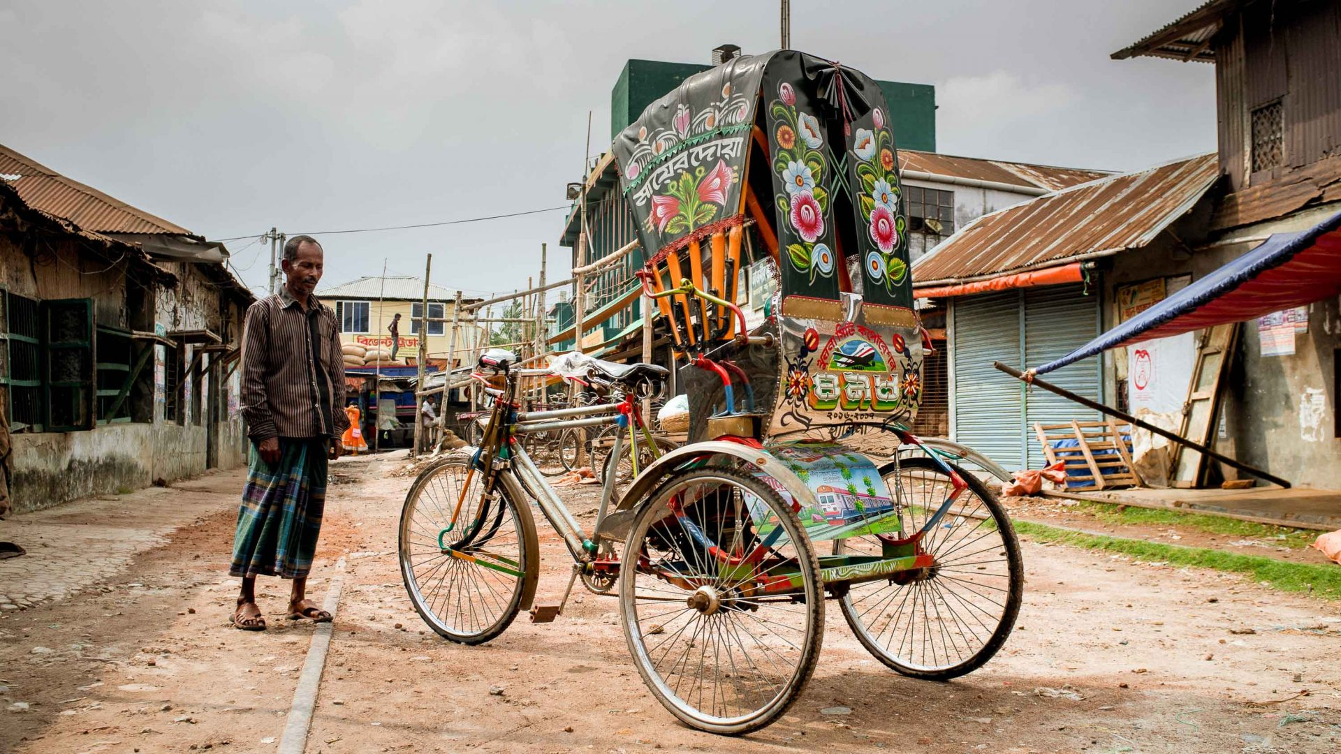 Sign of the times: Can Bangladesh's rickshaw artists survive modernization?