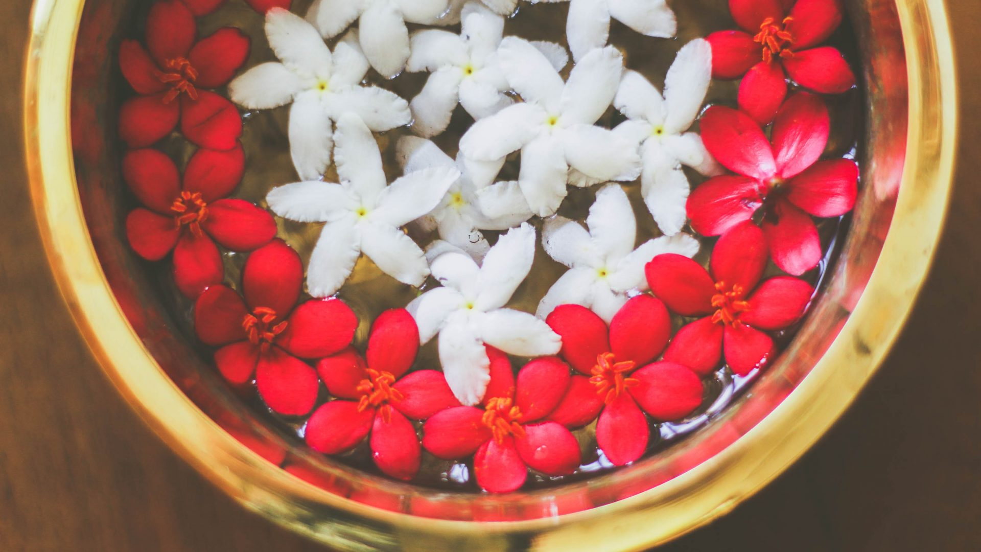 Flowers which form part of the Ayurveda experience.