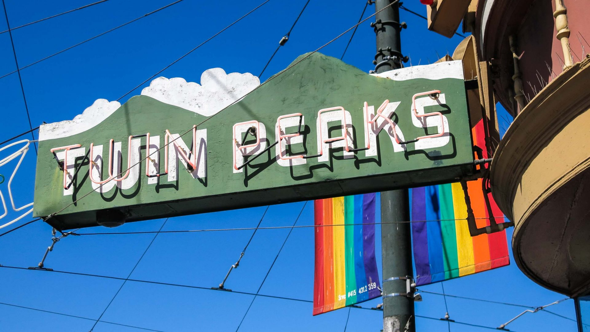 Twin Peaks Tavern, a popular bar in Castro.