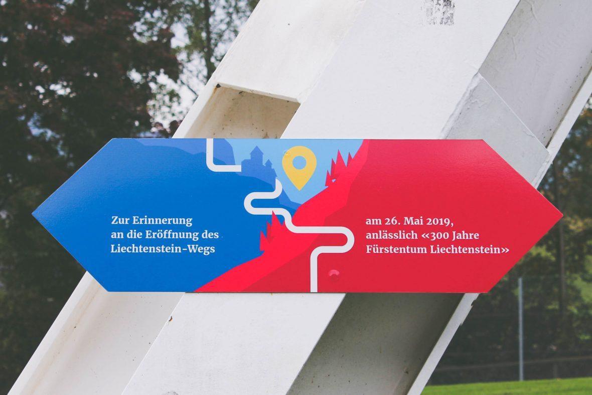 The trail marker for the Liechtenstein Trail celebrates the 300th anniversary of the Principality of Liechtenstein.