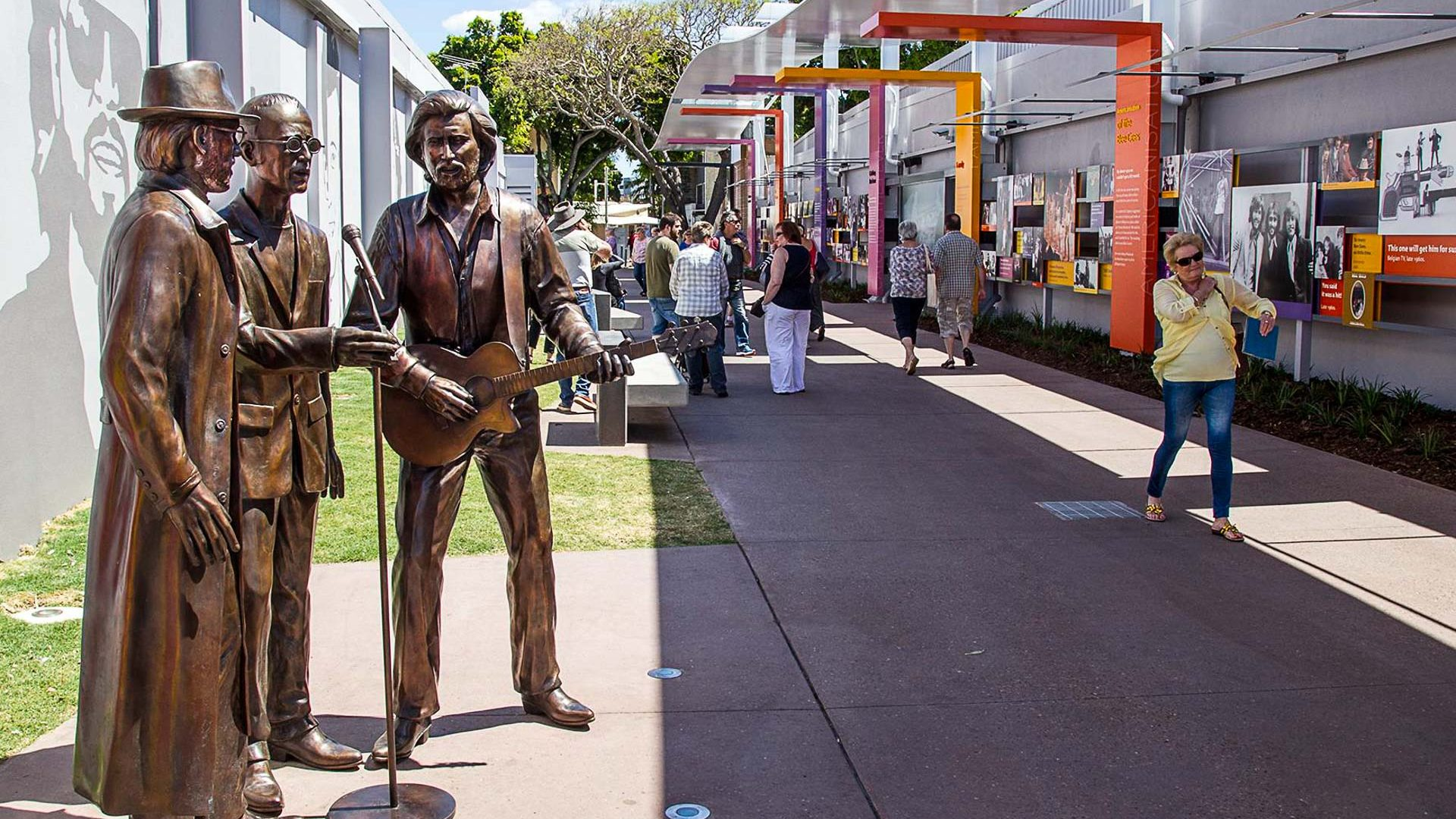 Statues on Bee Gees Way