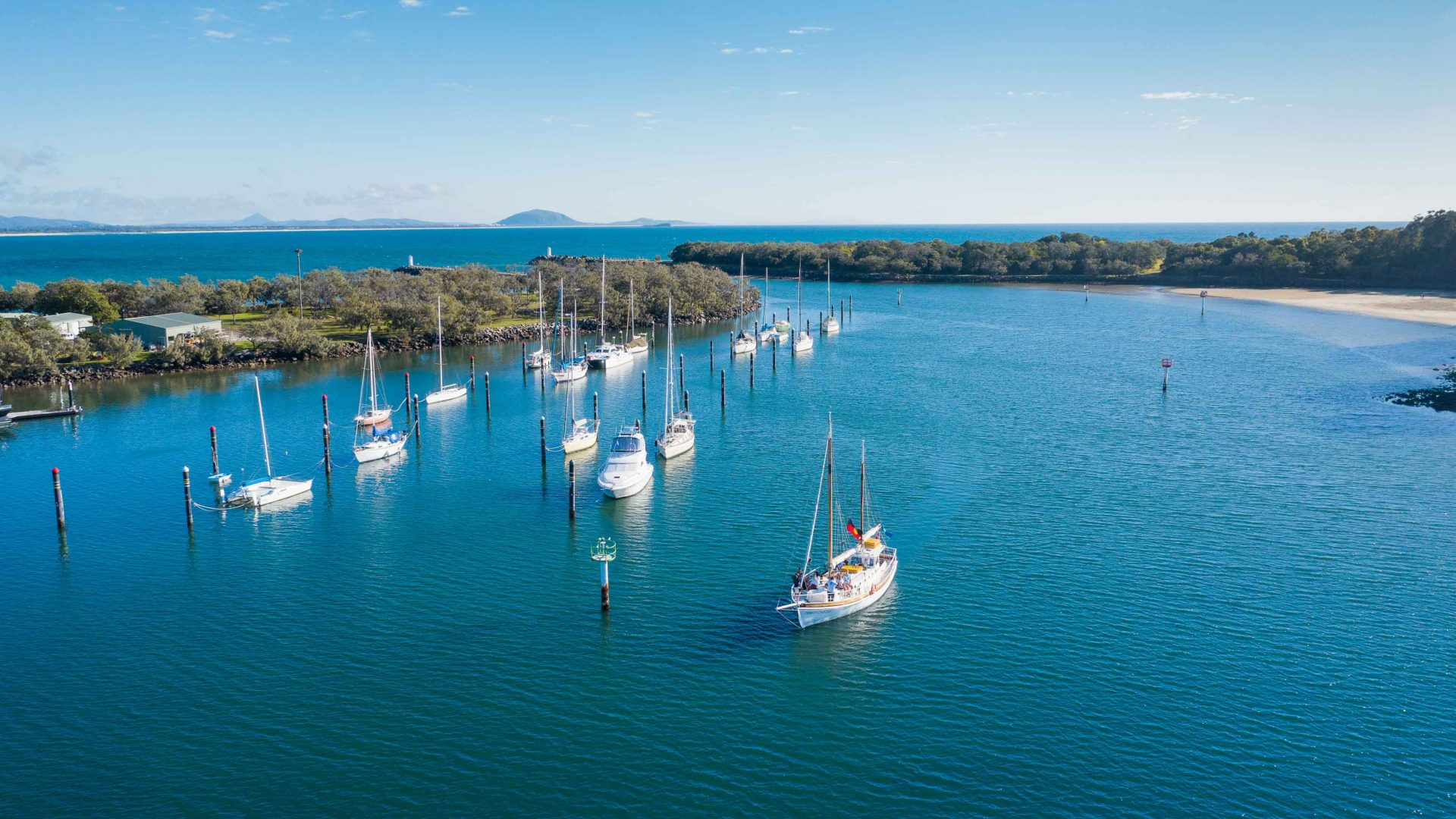 Meet the man sharing Mooloolaba history from a 113-year-old boat